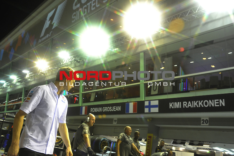 19.-22.09.2013, Marina-Bay-Street-Circuit, Singapur, SIN, F1, Grosser Preis von Singapur, Singapur, Nico Huelkenberg (GER), Sauber F1 Team <br />  Foto &copy; nph / Mathis