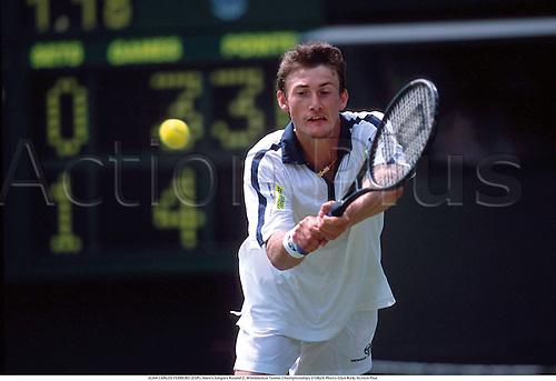 JUAN CARLOS FERRERO (ESP), Men's Singles Round 2, Wimbledon Tennis Championships 010628 Photo:Glyn Kirk/Action Plus...2001.man