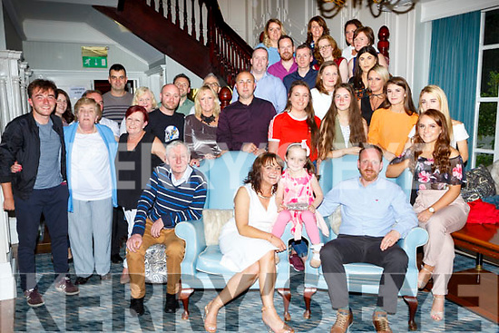Micheal Leane Kilcummin celebrated his 40th birthday with his family and friends in the Killarney Avenue Hotel on Saturday night