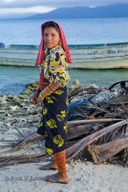 Portrait of a Kuna girl on Isla Pelikano, San Blas Islands, Kuna Yala, Panama