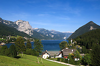 Austria, Styrian Salzkammergut, Grundlsee: village and lake with Backenstein (1.772 m)