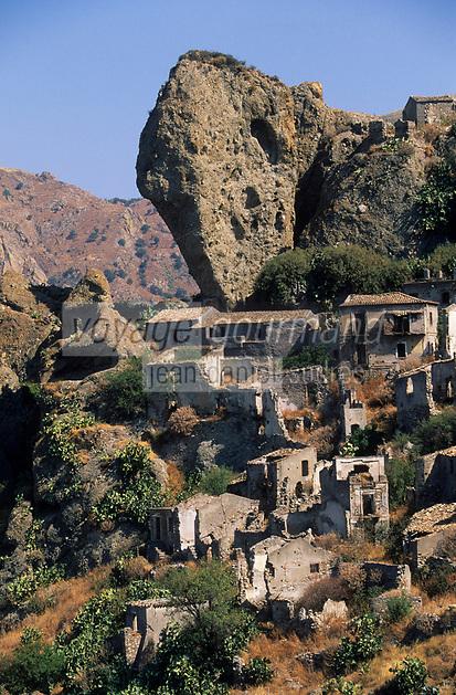 Europe/Italie/Calabre/Pentidattilo : Le village