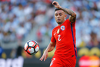 Futbol, Argentina v Chile.<br /> Copa America Centenario 2016.<br /> El jugador de la seleccion chilena Eugenio Mena controla el balon durante el partido del grupo D de la Copa Centenario contra Argentina disputado en el estadio Levi's de Santa Clara, Estados Unidos.<br /> 06/06/2016<br /> Andres Pina/Photosport*********<br /> <br /> Football, Argentina v Chile.<br /> Copa America Centenario Championship 2016.<br /> Chile's player Eugenio Mena controls the ball during the Copa Centenario Chmpionship football match against Argentina at the Levi's Stadium in Santa Clara, United States.<br /> 06/06/2016<br /> Andres Pina/Photosport