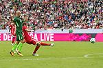 15.07.2017, Borussia Park, Moenchengladbach, GER, TELEKOM CUP 2017 Finale - SV Werder Bremen vs FC Bayern Muenchen<br /> <br /> im Bild<br /> Thomas M&uuml;ller / Mueller (FC Bayern Muenchen #25) mit Torschuss und Treffer zum 0:1, <br /> <br /> Foto &copy; nordphoto / Ewert