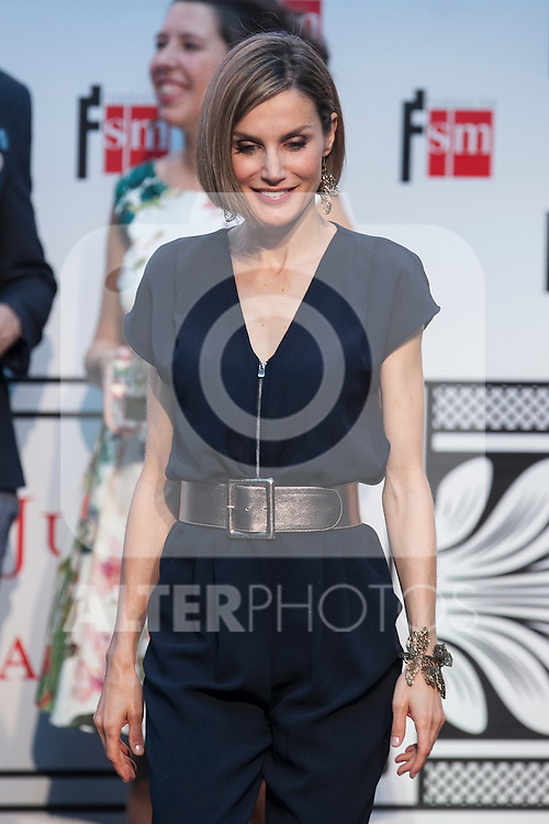 Queen Letizia of Spain attends the 'Barco de Vapor' literature awards at the Casa de Correos in Madrid, Spain. April 21, 2015. (ALTERPHOTOS/Victor Blanco)