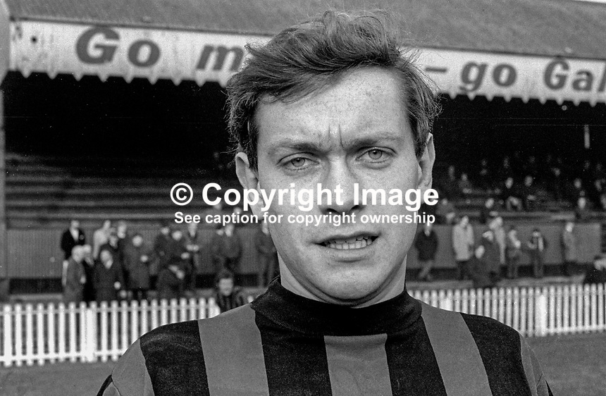 Ronnie White, footballer, Crusaders FC, Belfast, N Ireland, 197101000093RW<br /> <br /> Copyright Image from Victor Patterson, 54 Dorchester Park, Belfast, UK, BT9 6RJ<br /> <br /> Tel: +44 28 9066 1296<br /> Mob: +44 7802 353836<br /> Voicemail +44 20 8816 7153<br /> Email: victorpatterson@me.com<br /> Email: victorpatterson@gmail.com<br /> <br /> IMPORTANT: My Terms and Conditions of Business are at www.victorpatterson.com