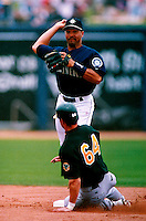 Pat Listach of the Seattle Mariners participates in a Major League Baseball Spring Training game during the 1998 season in Phoenix, Arizona. (Larry Goren/Four Seam Images)