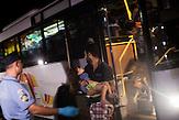 Nachdem Ungarn die Grenze zu Serbien geschlossen hat,machen sich Ratlosigkeit und Enttäuschung unter den Flüchtlingen in Kanjiza, Serbien breit. Eigentlich für eine Kapazität von 1000 Menschen angelegt, wohnen jetzt noch ca. 50 Menschen hier, die es noch nicht geschafft haben, ihre Weiterreise zu organisieren.