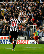 1st October 2017, St James Park, Newcastle upon Tyne, England; EPL Premier League football, Newcastle United versus Liverpool; Joselu of Newcastle United runs to celebrate with the fans after he equalised in the 36th minute in the 1-1 draw