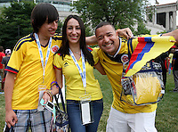 CHICAGO - UNITED STATES, 22-06-2016: Hinchas de Colombia animan a su equipo previo al partido de la semifinal entre Colombia (COL) y Chile (CHI)  por la Copa América Centenario USA 2016 jugado en el estadio Soldier Field  en Chicago , Illinois , USA. /  Fans of Colombia cheer their team prior the match of semifinal between Colombia (COL) and Chile (CHI) for the semifinal of the Copa América Centenario USA 2016 played at Soldier Field  stadium in Chicago, Illinois  ,USA. Photo: VizzorImage/ Luis Alvarez /Str