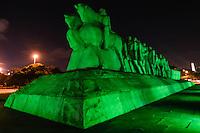 SÃO PAULO,SP, 17.03.2016 - SÃO-PATRÍCIO - Em comemoração ao Dia de São Patrício (St. Patrick's Day), padroeiro da Irlanda, o Monumento das Bandeiras no Parque do Ibirapuera em São Paulo é iluminados de verde nesta quinta-feira, 17.(Foto: Vanessa Carvalho/Brazil Photo Press)