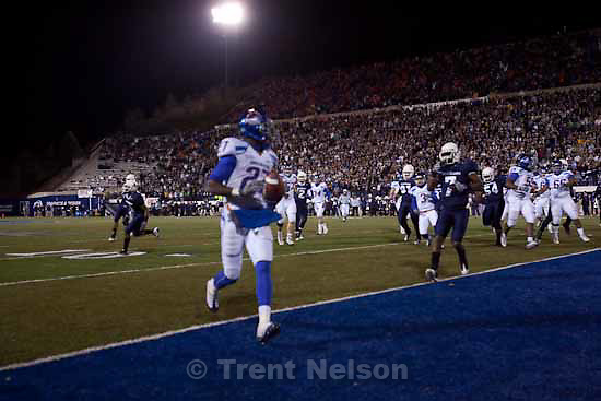 Utah State vs. Boise State college football Friday, November 20 2009.