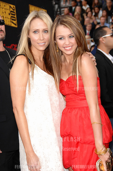Miley Cyrus & mother Leticia Cyrus at the 2007 American Music Awards at the Nokia Theatre, Los Angeles..November 18, 2007  Los Angeles, CA.Picture: Paul Smith / Featureflash