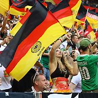 Deutsche Fans mit Fahnen - 17.06.2018: Deutschland vs. Mexico, Luschniki Stadium Moskau