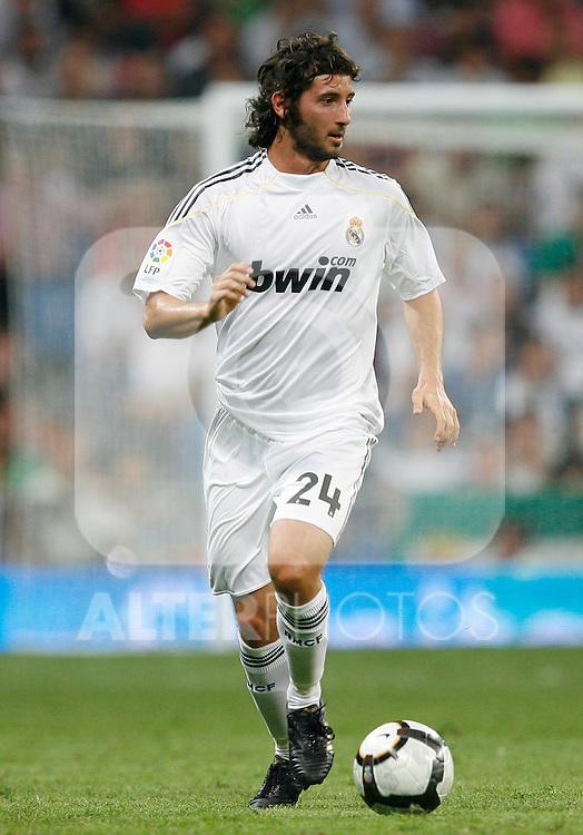 Real Madrid's Esteban Granero during La Liga match.August 29 2009. (ALTERPHOTOS/Acero).