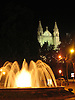 The square &quot;Plaza de la Reina&quot; with fountain and the Cathedral La Seu in Palma de Mallorca at night<br /> <br /> Plaza de la Reina con fuente y la Catedral La Seu de Palma de Mallorca por la noche<br /> <br /> Der Platz &quot;Plaza de la Reina&quot; mit Brunnen und die Kathedrale La Seu in Palma de Mallorca bei Nacht<br /> <br /> 2592 x 1944 px