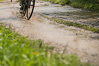 muddy gravel<br /> <br /> Dwars door het Hageland (1.1)<br /> 1 Day Race: Aarschot &gt; Diest (194km)