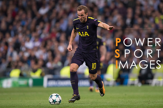 Harry Kane of Tottenham Hotspur FC in action during the UEFA Champions League 2017-18 match between Real Madrid and Tottenham Hotspur FC at Estadio Santiago Bernabeu on 17 October 2017 in Madrid, Spain. Photo by Diego Gonzalez / Power Sport Images