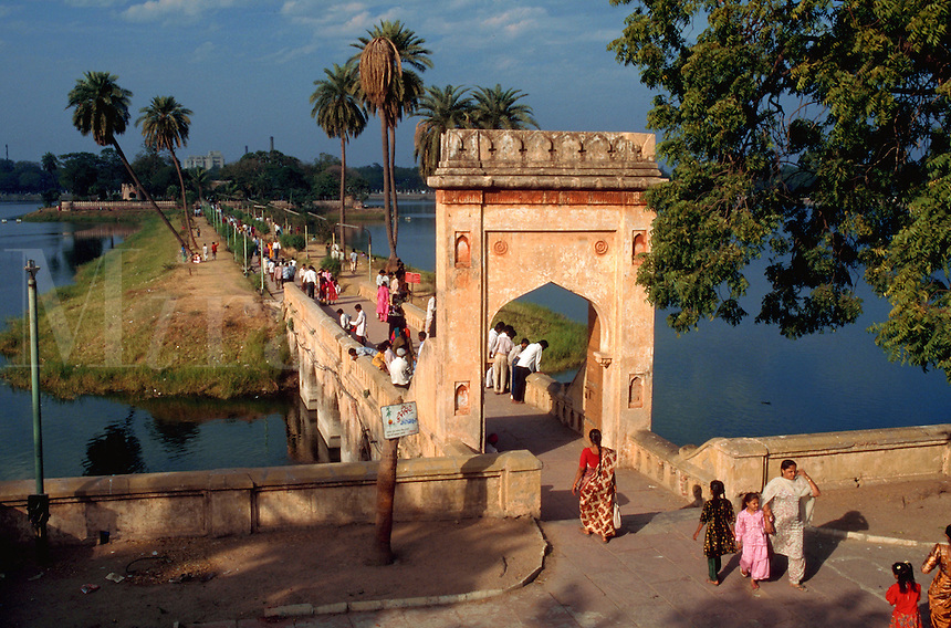 Overview of the gateway and bridge spanning the Kankariya reservoir. Ahmedabad, India.