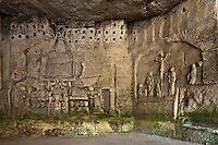 Europe/France/Aquitaine/24/Dordogne/Brantome: <br /> L'abbaye Saint-Pierre de Brantôme est une ancienne abbaye bénédictine - Vestiges du premier monastère aménagé dans le pied de la falaise avec notamment la grotte du Jugement Dernier , Triomphe de la Mort et  Crucifixion -  bas relief du XV ème siècle,