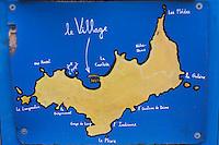 Europe/Provence-Alpes-Côte d'Azur/83/Var/Iles d'Hyères/Ile de Porquerolles: Au village carte de l'Ile