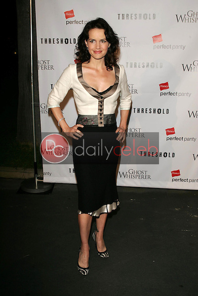 Carla Gugino<br /> At the CBS &quot;Ghost Whisperer&quot; and &quot;Threshold&quot; premiere screening, Hollywood Forever Cemetery, Hollywood, CA 09-09-05<br /> David Edwards/DailyCeleb.Com 818-249-4998
