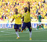 BOGOTA - COLOMBIA -17-03-2013: Freddy Guarín (Izq.) y Pablo Armero (Der.) de Colombia corren a celebrar gol durante  partido Colombia - Bolivia en el Estadio Metropolitano Roberto Meléndez en la ciudad de Barranquilla, marzo 22 de 2013. Partido de la 11 ª fecha de las Clasificatorias Sudamericanas para la Copa Mundial de la FIFA Brasil 2014. (Foto: VizzorImage / Felipe Caicedo / Staff). Freddy Guarín (L) and Pablo Armero (R) of Colombia run to celebrate a gaol scored during of the match Colombia - Bolivia at the Metropolitan Stadium Roberto Melendez in Barranquilla city, on March 16, 2013. Game of the 11th round of the South American Qualifiers for the FIFA World Cup Brazil 2014. (Photo: VizzorImage / Felipe Caicedo/ Staff.)