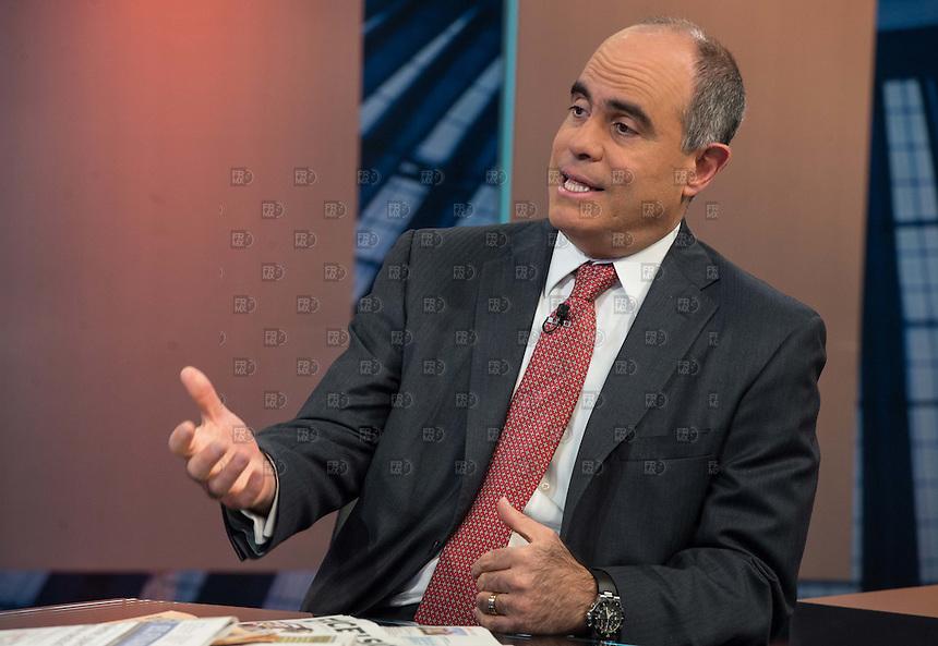 CIUDAD DE MÉXICO, julio 28, 2014. Mario Correa, economista en jefe del grupo financiero Scotiabank en entrevista durante el programa de Carlos Mota en El Financiero Bloomberg Tv, el 28 de julio de 2014.  FOTO: ALEJANDRO MELÉNDEZ