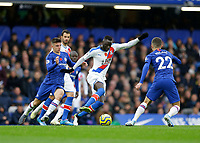 9th November 2019; Stamford Bridge, London, England; English Premier League Football, Chelsea versus Crystal Palace; Cheikhou Kouyate of Crystal Palace is marked by Christian Pulisic and Mason Mount of Chelsea - Strictly Editorial Use Only. No use with unauthorized audio, video, data, fixture lists, club/league logos or 'live' services. Online in-match use limited to 120 images, no video emulation. No use in betting, games or single club/league/player publications