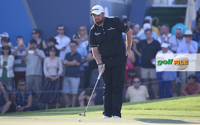 Shane Lowry (IRL) in action at the last during Round Two of the DP World Tour Championship 2016, played at the Jumeirah Golf Estates, Dubai, United Arab Emirates. 18/11/2016. Picture: David Lloyd | Golffile.<br /> <br /> All photo usage must display a mandatory copyright credit as: &copy; Golffile &amp; David Lloyd.