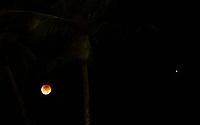 IPOJUCA,PE,27,07.2018  - ECLIPSE  LUNAR - Eclipse Lunar Visto na praia de Porto de Galinha próximo as Piscinas Naturais,nesta sexta-feira,27 . (Foto: Jean Nunes/Brazil Photo Press)
