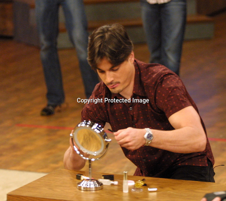 ©2003 KATHY HUTCHINS/ HUTCHINS PHOTO.THE OTHER HALF TAPING.BURBANK, CA.DECEMBER  17, 2002.BRYAN DATTILO