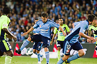 (121110) -- SYDNEY, Nov. 10, 2012 (Xinhua) -- Italian soccer star Alessandro Del Piero (C) of Sydney FC breaks through during the A-League match against Melbourne Victory in Sydney, Australia, Nov. 10, 2012. Sydney FC lost 2-3. <br /> Foto Xinhua/Jin Linpeng/Imago/Insidefoto
