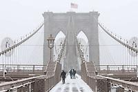 NEW YORK, NY, 14.03.2017 - CLIMA-NEW YORK - Vista da Ponte do Brooklyn do durante a Nevasca Stella considerada a maior tempestade de neve dos últimos anos provocando cancelamento de quase 7.000 voos segundo a CNN. (Foto: William Volcov/Brazil Photo Press)