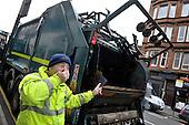 Glasgow smells - bin lorry - 18.7.12 - 07702 319 738 - clanmacleod@btinternet.com - www.donald-macleod.com