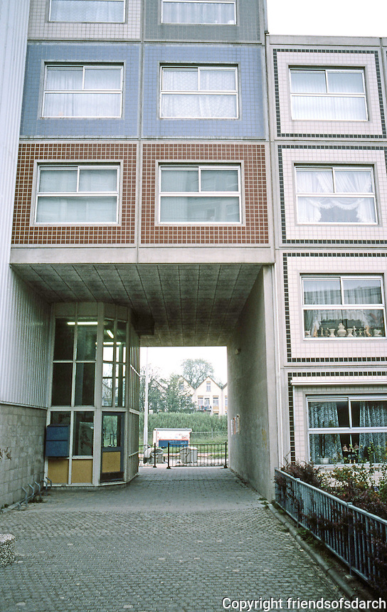 Rotterdam: De Peperklip, low-income housing.  1980. Photo '87.