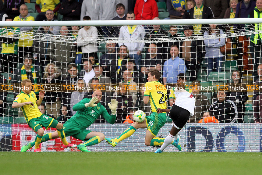 Neeskens Kebano of Fulham takes a shot at goal during Norwich City vs Fulham, Sky Bet EFL Championship Football at Carrow Road on 14th April 2017