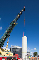 Crane lifing in the gas flusher - AD construction site