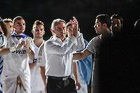 MADRI, ESPANHA, 13 DE MAIO 2012 - CAMPEONATO ESPANHOL - RODADA 38 - REAL MADRID X MALLORCA - O tecnico do Real Madrid José Mourinho celebra a conquista do Campeonato Espanho apos enfrentar o Mallorca em partida valida pela ultima rodada do Campeonato Espanhol, no Estadio Santiago Bernabeu em Madri capital da Espanha, neste domingo dia 13. (FOTO: WILLIAM VOLCOV / BRAZIL PHOTO PRESS).