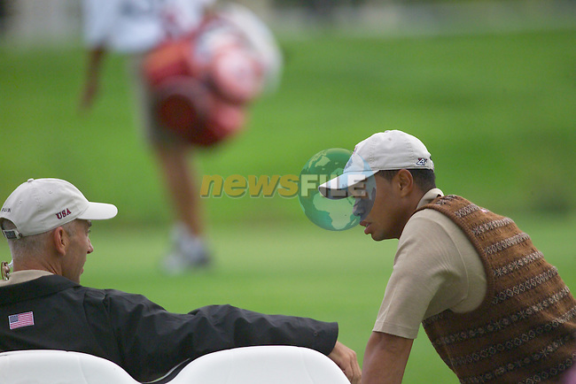 Tiger Woods consults with USA Team Vice Captain Corey Pavin during Practice Day2 the 2006 Ryder Cup at The K Club 21st September 2006..( Photo Eoin Clarke/Newsfile).