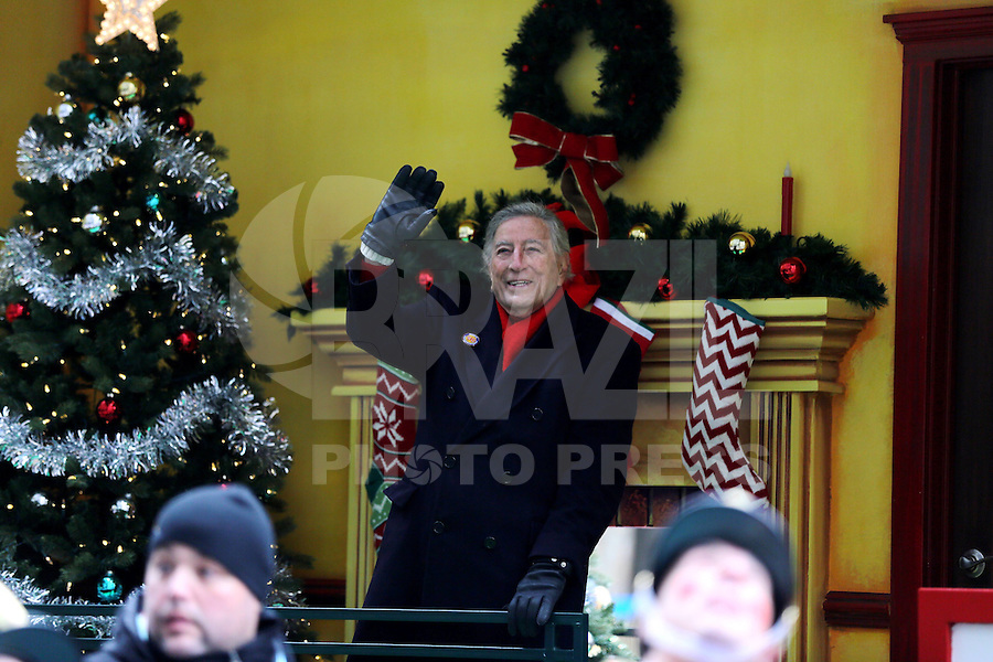NEW YORK, NY, 24.11.2016 - PARADA-MACYS - Tony Bennett durante Macy's Thanksgiving Parade no dia Dia de Ação de Graças na cidade de New York nos Estados Unidos nesta quinta-feira, 24. (Foto: William Volcov/Brazil Photo Press)