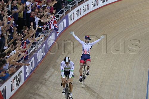 05.03.2016. Lee Valley Velo Centre, Lnodn England. UCI Track Cycling World Championships Mens Individual Sprint Final. KENNY Jason (GBR) holds off the challenge from GLAETZER Matthew (AUS) to win gold