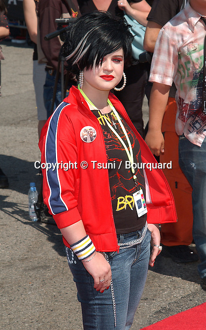 Kelly Osbourne arrives at the Teen Choice Awards 2002 held at the Universal Amphitheatre in Los Angeles, Ca., August 4, 2002.            -            OsbourneKelly24A.jpg
