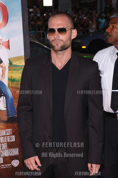 Actor SEANN WILLIAM SCOTT at the Los Angeles premiere of his new movie The Dukes of Hazzard..July 28, 2005 Los Angeles, CA.© 2005 Paul Smith / Featureflash