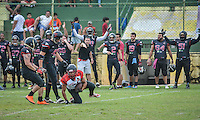 LAURO DE FREITAS, BA, 31.07.2016 - VITÓRIA-JOÃO PESSOA ESPECTROS - Lance durante partida de futebol americano entre Vitória e João Pessoa Espectros - PB, no Estádio Municipal de Lauro de Freitas - BA, neste domingo, 31. (Foto: Jéssica Santana/Brazil Photo Press)