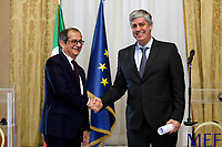 Giovanni Tria and Mario Centeno shaking hand<br /> Roma 09/11/2018. Incontro al Ministero dell'Economia tra il Ministro dell'Economia e delle Finanze ed il Presidente dell'Eurogruppo.<br /> Rome November 9th 2018. Meeting between the Italian minister of Economy and the President of the Eurogroup.<br /> Foto Samantha Zucchi Insidefoto