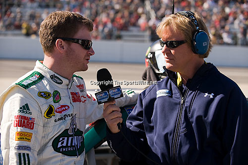 Oct 19, 2008; 12:20:28 PM;  Martinsville, VA, USA; NASCAR Sprint Cup Series race at the Martinsville Speedway for the TUMS Quick Pak 500.  Mandatory Credit: (thesportswire.net)