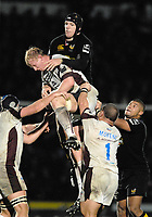 Wycombe. GREAT BRITAIN, Wasps George SKIVINGTON get to grips. in the line out with, Leo CULLEN, during the, Guinness Premiership game between, London Wasps and Leicester Tigers on 25/11/2006, played at the Adam Park, ENGLAND. Photo, Peter Spurrier/Intersport-images]