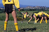 Europe/France/Languedoc-Roussillon/11/Aude/Carcassonne : Match de Rugby à 13 - En fond la cité [Non destiné à un usage publicitaire - Not intended for an advertising use]