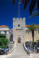 Kroatien, Dalmatien, Korcula: mittelalterliche Stadt auf gleichnamiger Insel - Geburtsort Marco Polos - Stadttor | Croatia, Dalmatia, Korcula: medieval town on identical island  - Marco Polo's place of birth - town gate